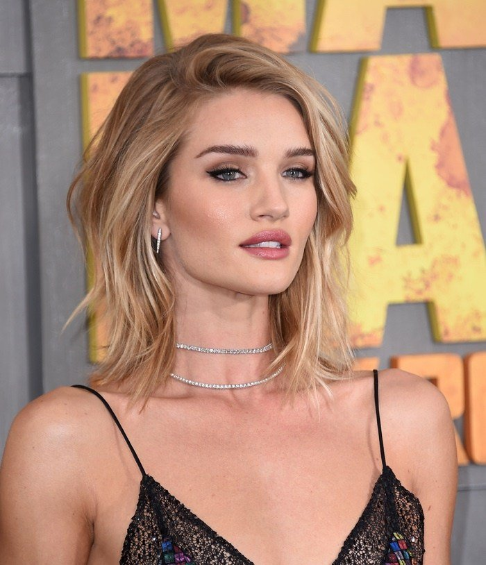 The Best Medium Length Hairstyle Shaggy Side Part Pictures
