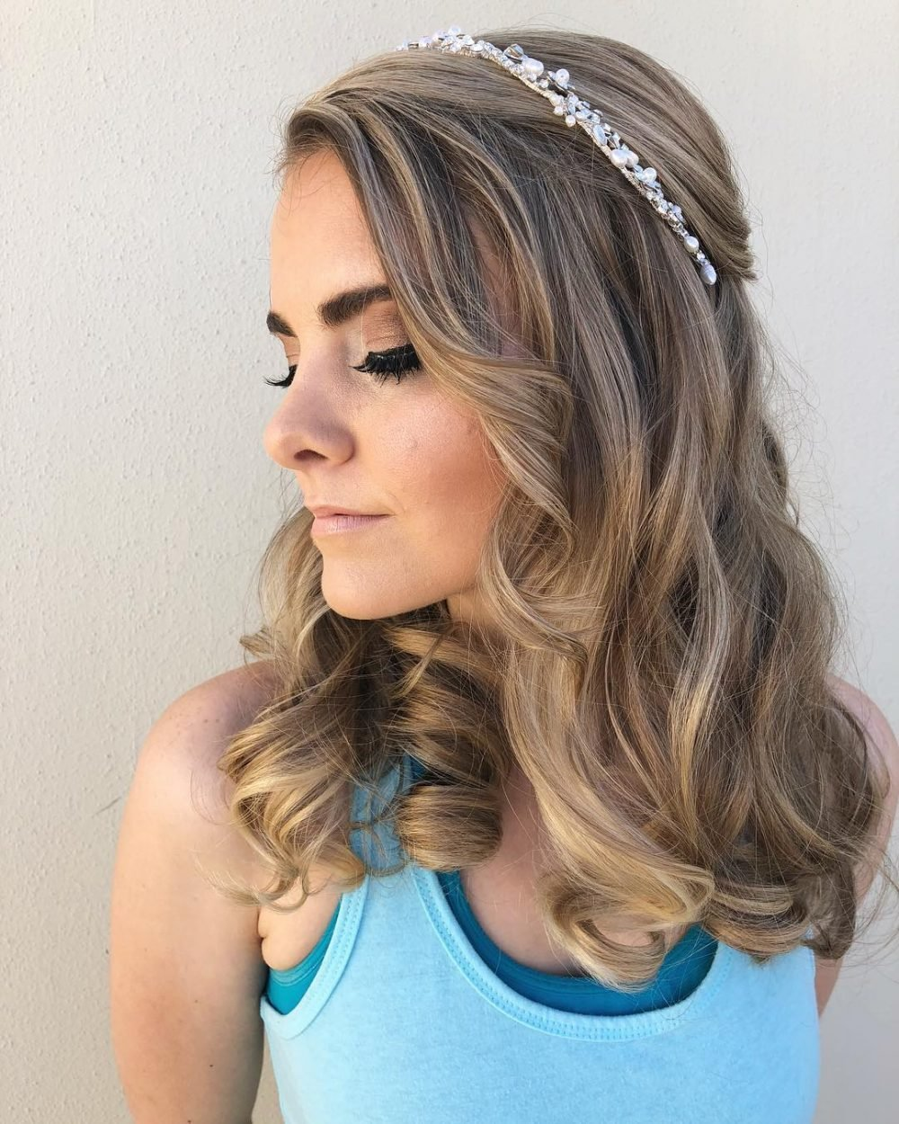 The Best Prom Hairstyles For Medium Length Hair Pictures And How To S Pictures