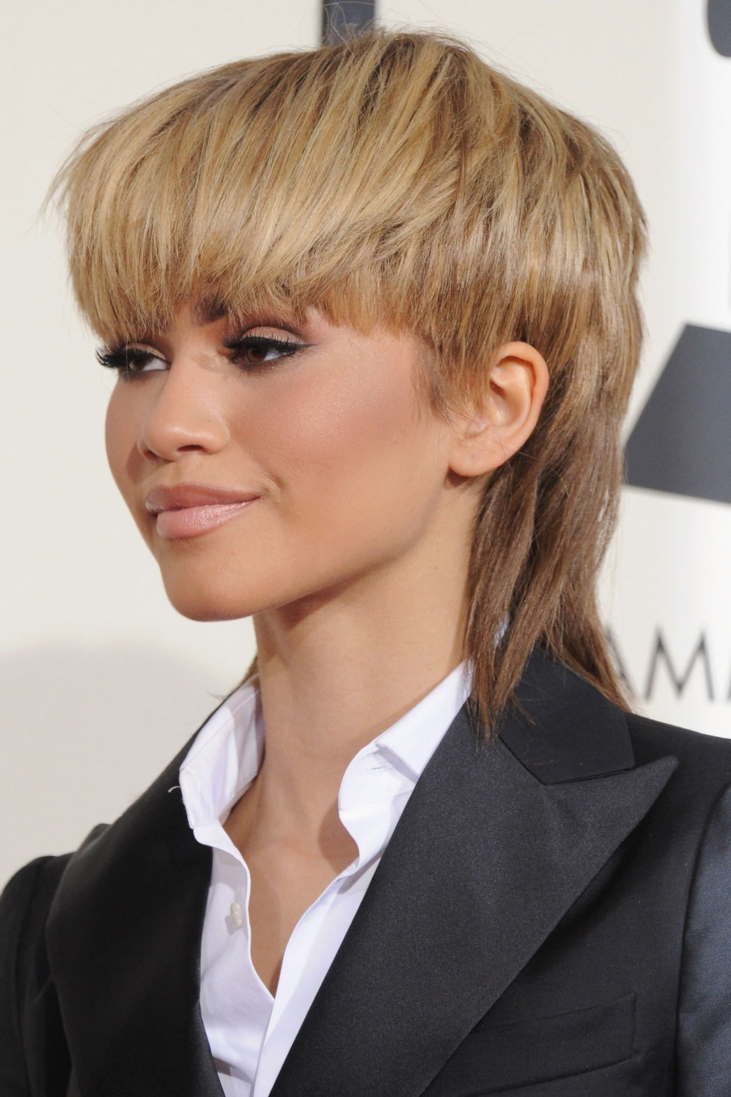 The Best Zendaya On Grammys 2016 Mullet Hairstyle Pret A Reporter Pictures