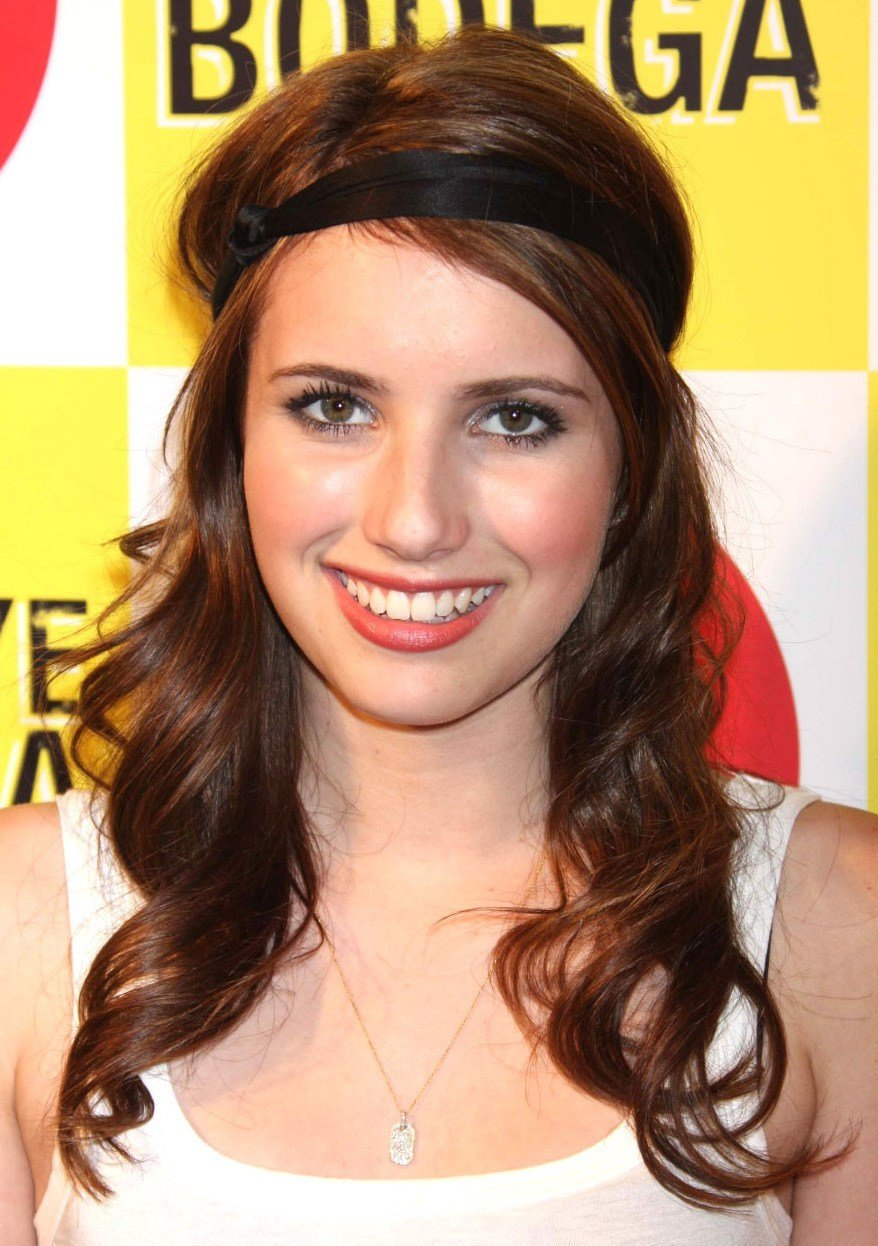 The Best Celebrity Hairstyles Emma Roberts Wavy Thin Hairstyles Pictures