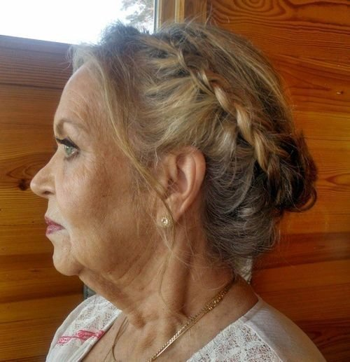 The Best 20 Contemporary And Stylish Long Hairstyles For Older Women Pictures