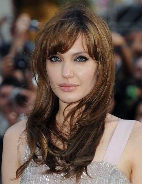 The Best 14 Angelina Jolie Hairstyles Popular Haircuts Pictures