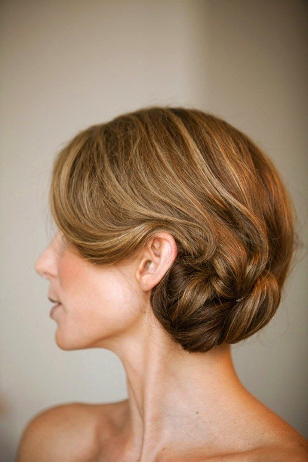 The Best Wedding Hair Inspiration Tutorials The Classic Chignon Pictures