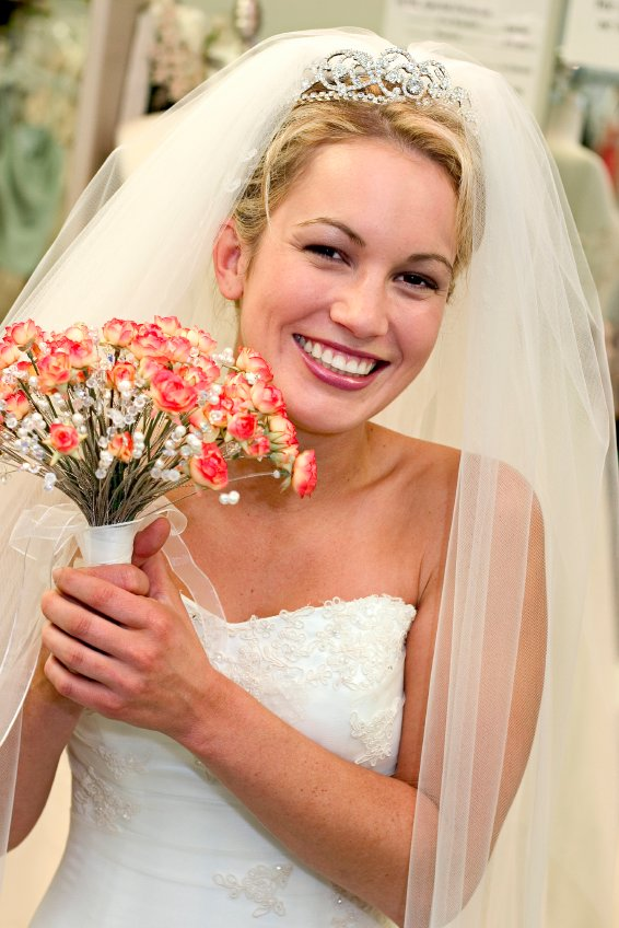 The Best Long Wedding Veils And Tiaras Wedding Hairstyles With Veil Pictures