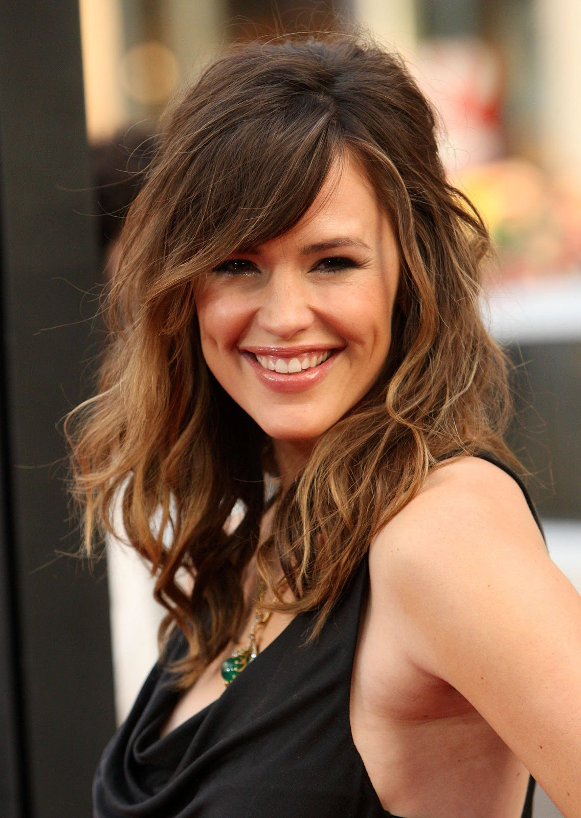 The Best 30 Peachy Medium Hairstyles With Bangs Slodive Pictures