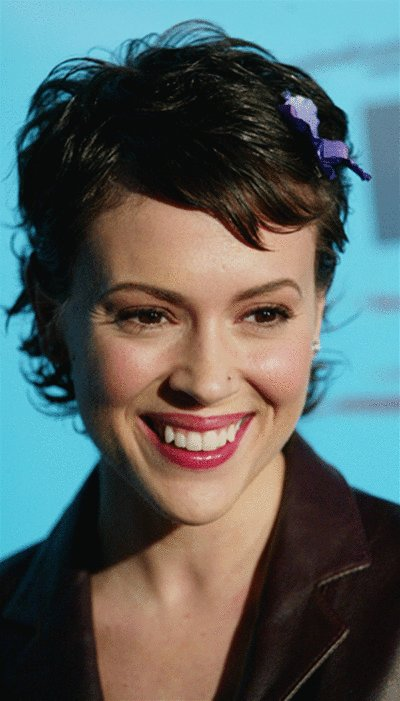 The Best Alyssa Milano Short Crop Haircuts For Heart Face Shapes Pictures