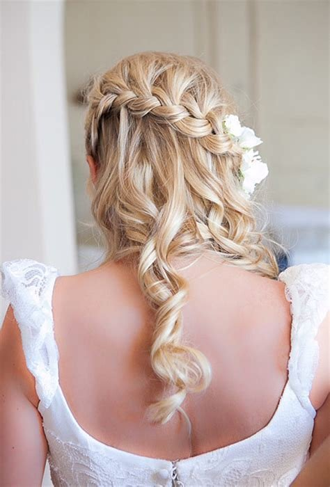 The Best Hairstyles For A Destination Wedding Brides Com Pictures