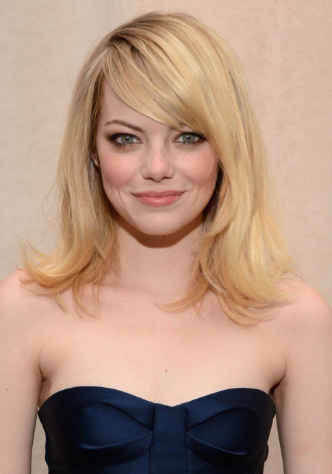 The Best Emma Stone Layered Medium Length Hairstyle With Side Swept Pictures