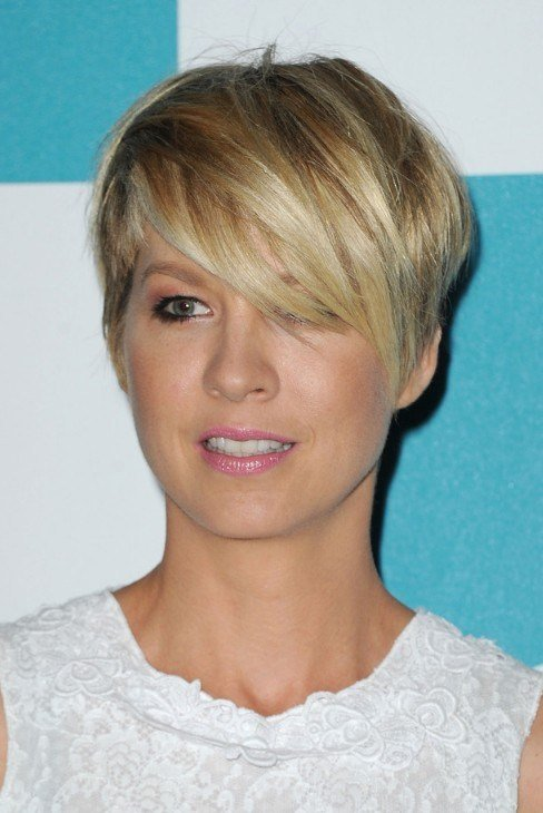 The Best Most Popular Short Haircut For Women Jenna Elfman Pictures