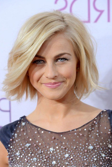 The Best Julianne Hough Short Hairstyle Blonde Roots On Tousled Pictures