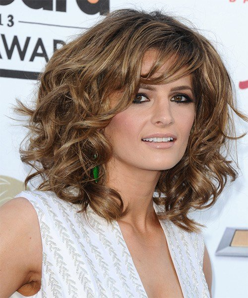 The Best Stana Katic Hairstyle Medium Wavy Formal Pictures