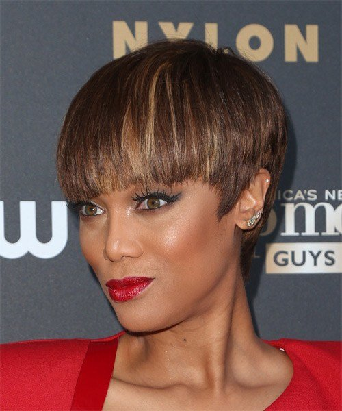 The Best Tyra Banks Short Straight Formal Hairstyle With Blunt Cut Pictures