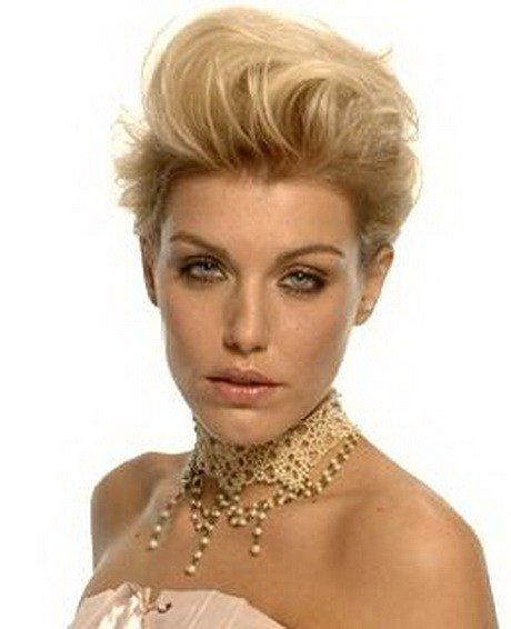 The Best Bump Hairstyles For Short Hair Pictures