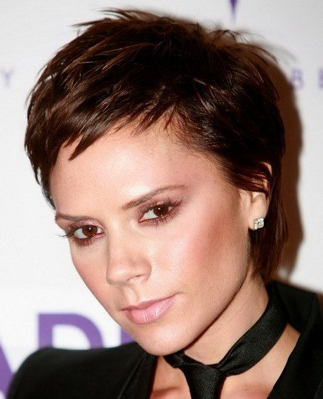 The Best Easy Short Hairstyles For Moms Pictures