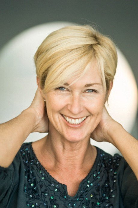 The Best Short Layered Hairstyles For Older Women Pictures