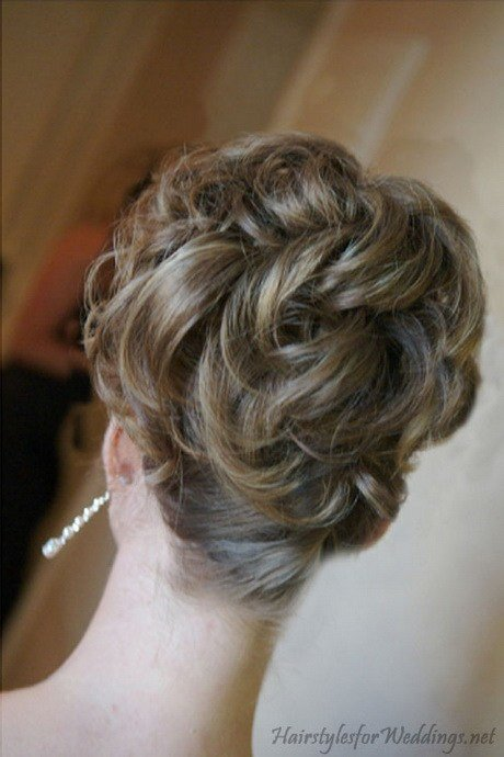 The Best Wedding Hair Updos For Medium Length Hair Pictures
