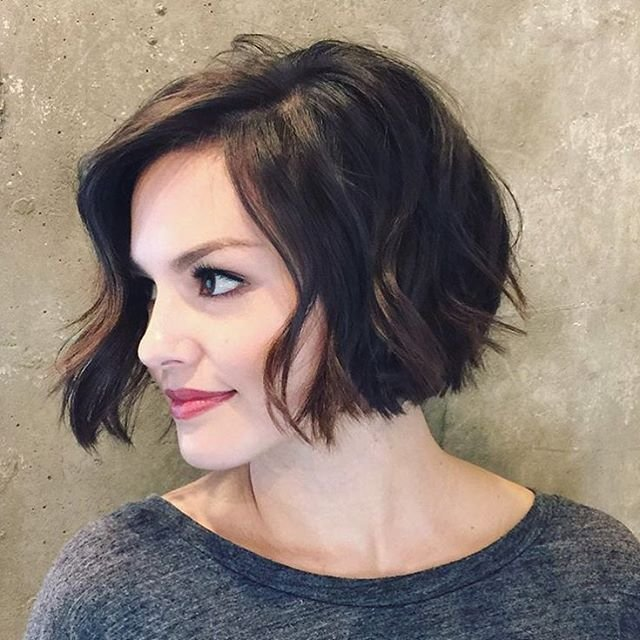 The Best 20 Feminine Short Haircuts For Wavy Hair Styles Weekly Pictures