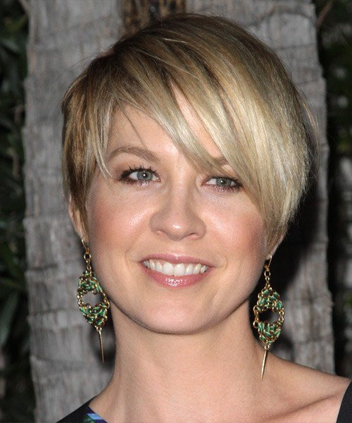 The Best 24 Flattering Pixie Cuts For Round Faces Creativefan Pictures