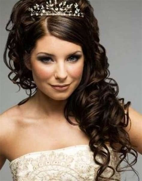 The Best Wedding Hairstyles For Shoulder Length Curly Hair Pictures