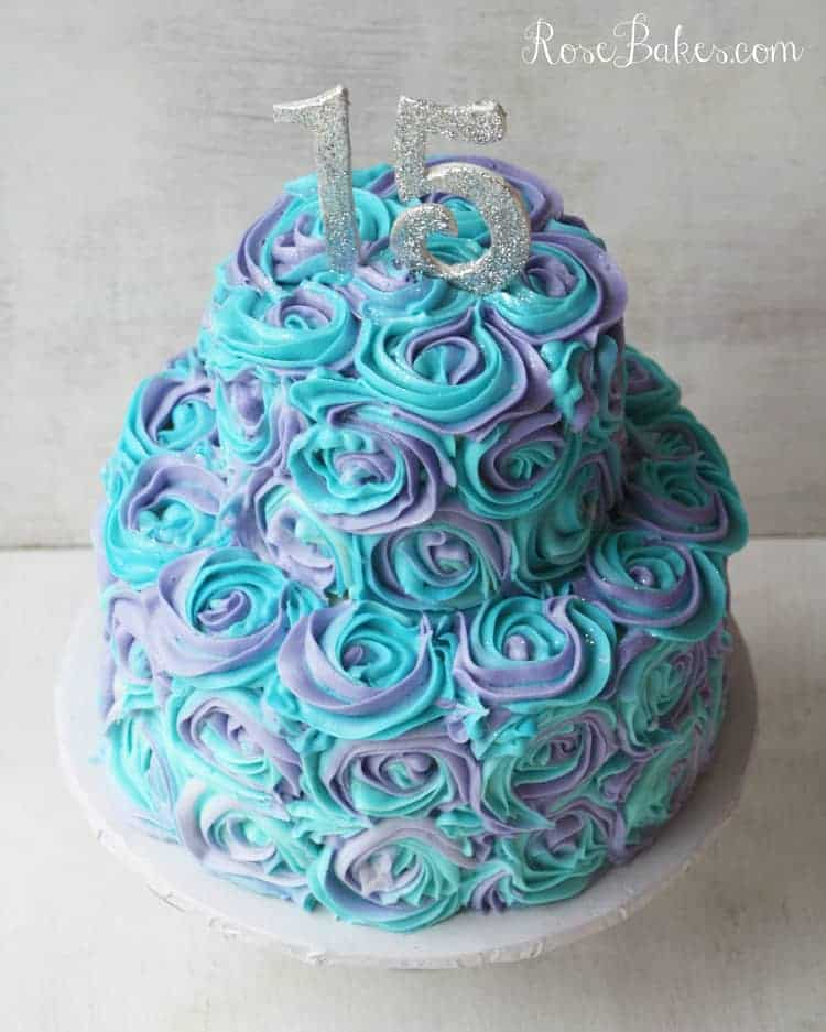 What Colors Make Turquoise Icing