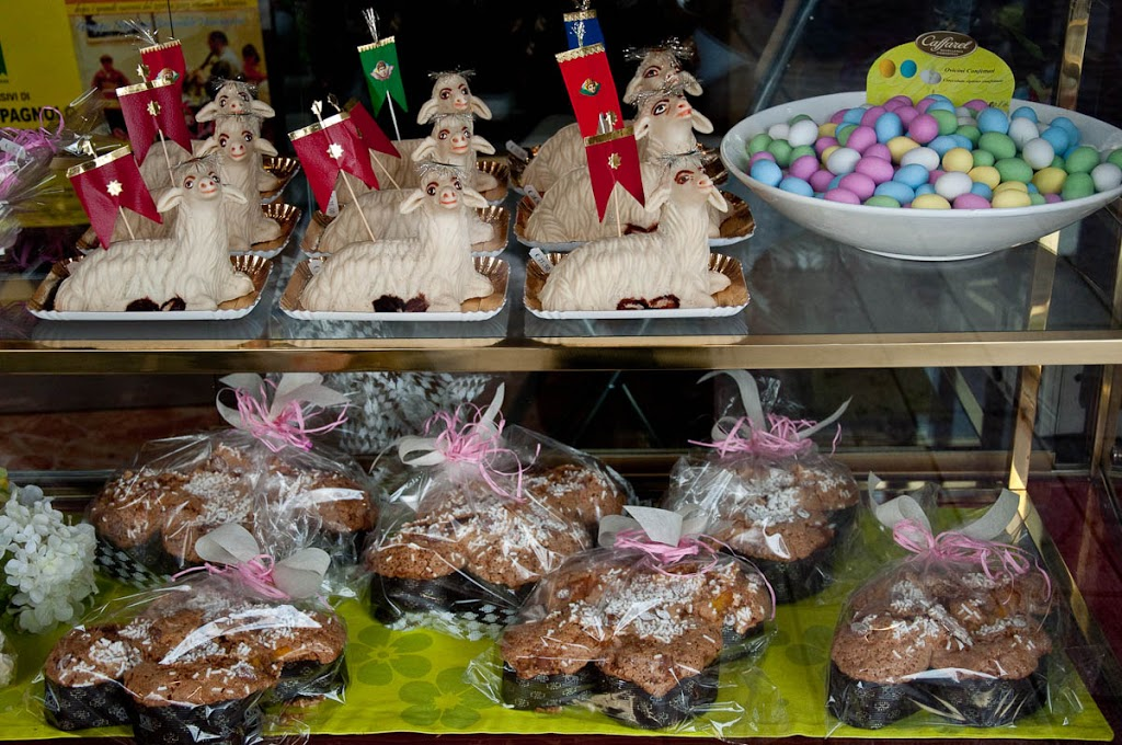Easter Cakes Italy