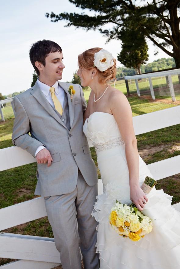 Diy Barn Wedding In Maryland At The Tea Barn Rustic Wedding Chic
