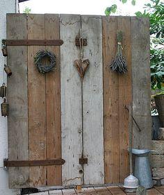 Gartendeko aus alten Holzbalken... - Wohnen und Garten