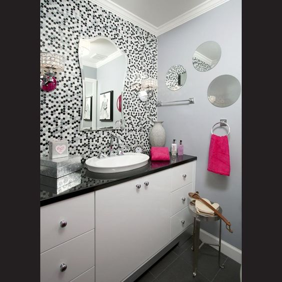 Gray And Pink Bathroom Accessories