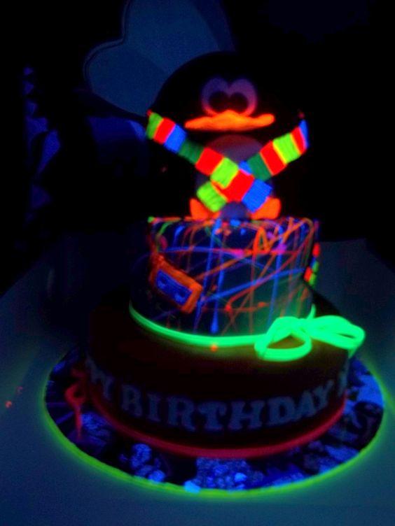 Glow Dark Ideas Cake
