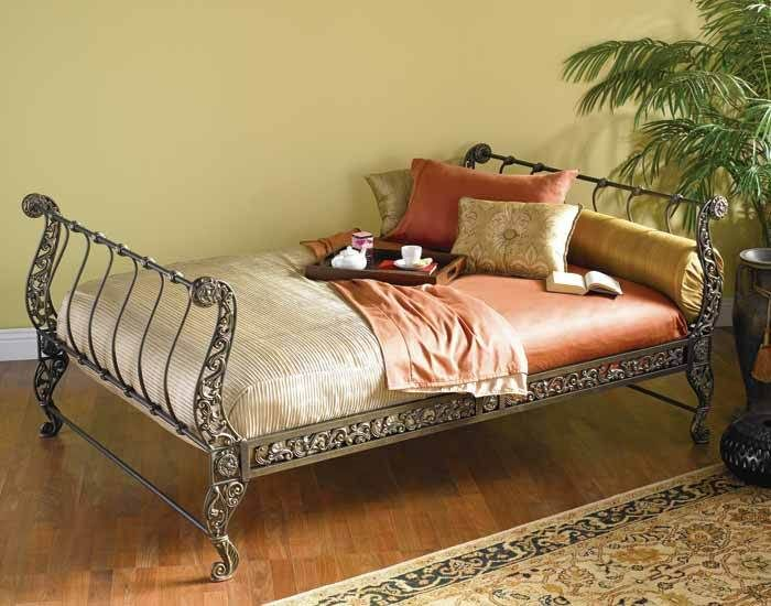Quot Lyric Quot Day Bed From Victorian Trading Co Victorian