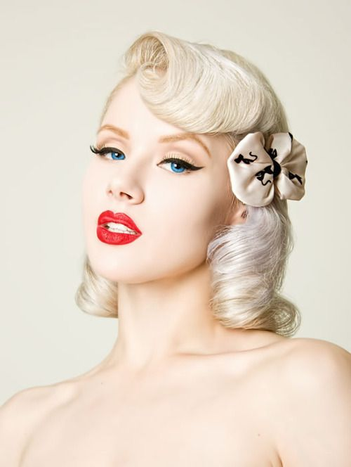Cute Pinup hairstyle! | Short to Mid-Length Pinup ...