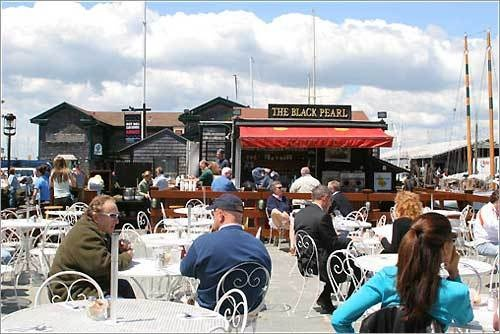Restaurant Black Pearl Ri Newport