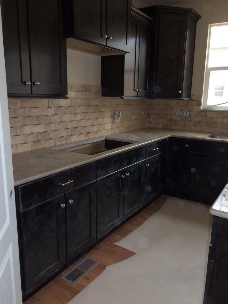 Ems Travertine Tile Backsplash In Beige Kitchen Ideas