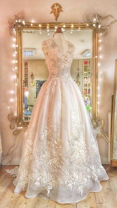 17 Best ideas about Organza Wedding Dresses on Pinterest ...