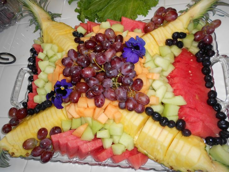 Giant Grocery Fruit Tray