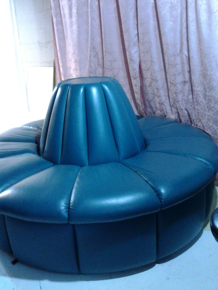17 Best Images About Circular Banquette Sofas On Pinterest