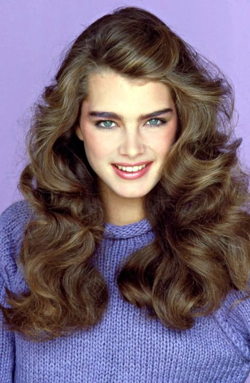 80s feathered hair and makeup