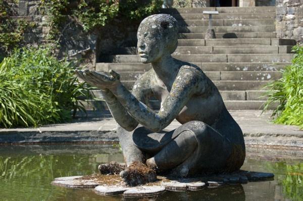 Garden Pond Statues