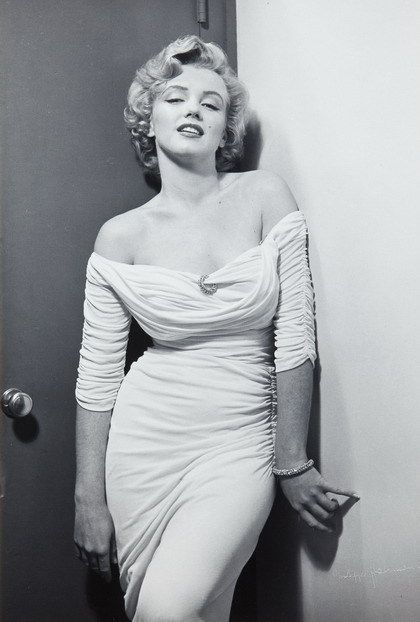 Marilyn Monroe Black And Red Dress