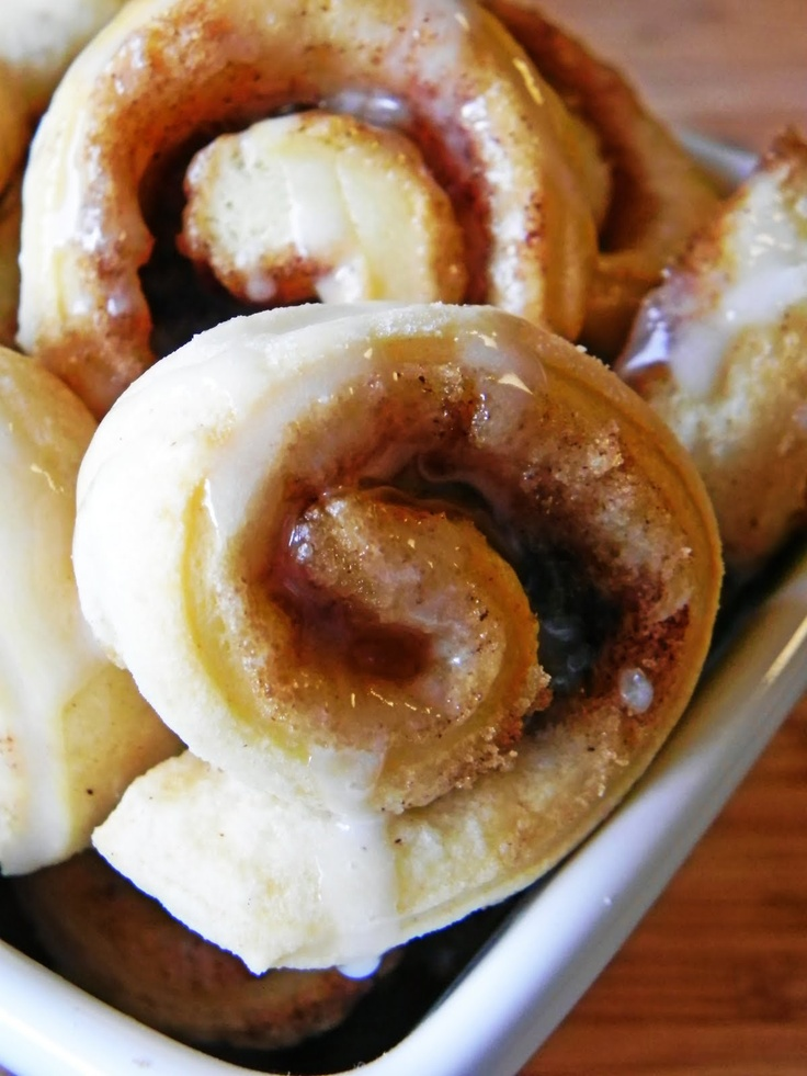 Cinnamon Rolls Made From Canned Biscuits