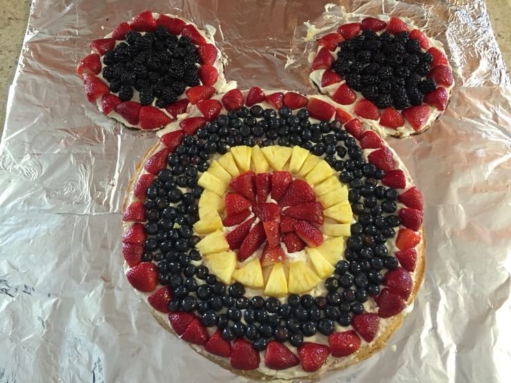 Mickey Mouse Fruit Pizza Platter Cooking Amp Baking