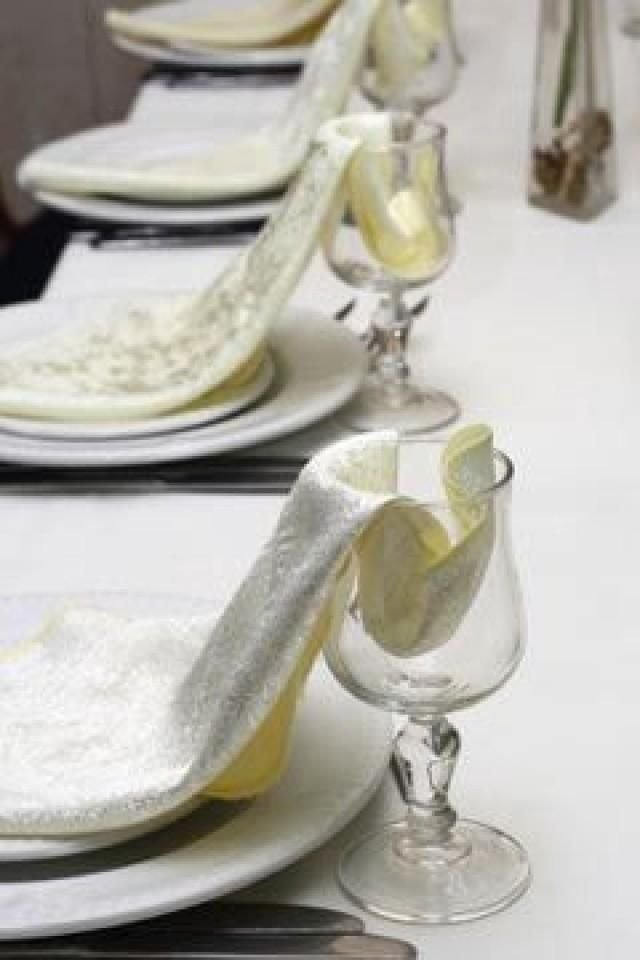 Wedding Table Napkin Folding