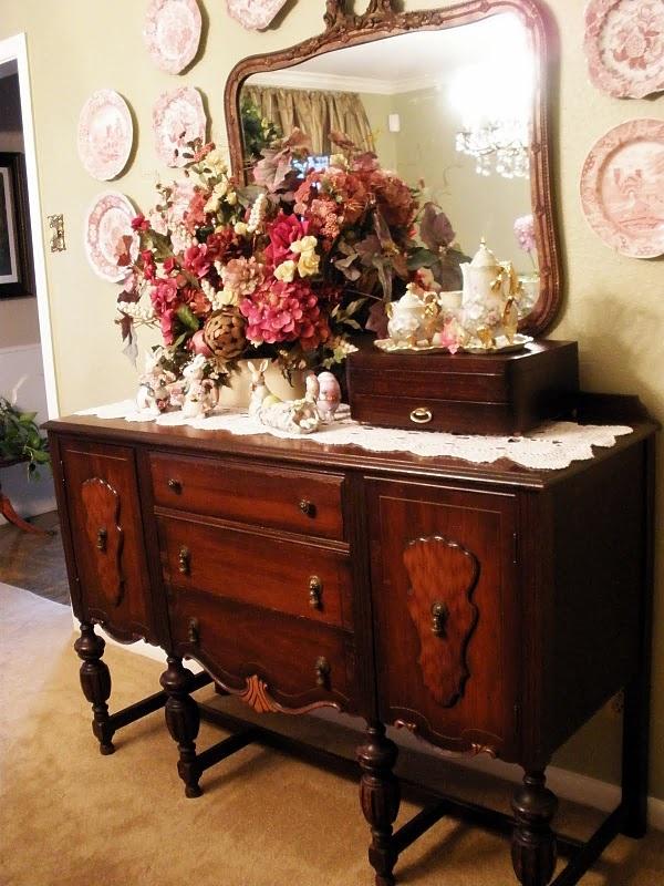 Buffet Decorating Vintage