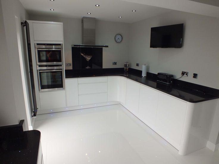 White Kitchen Units What Colour Walls