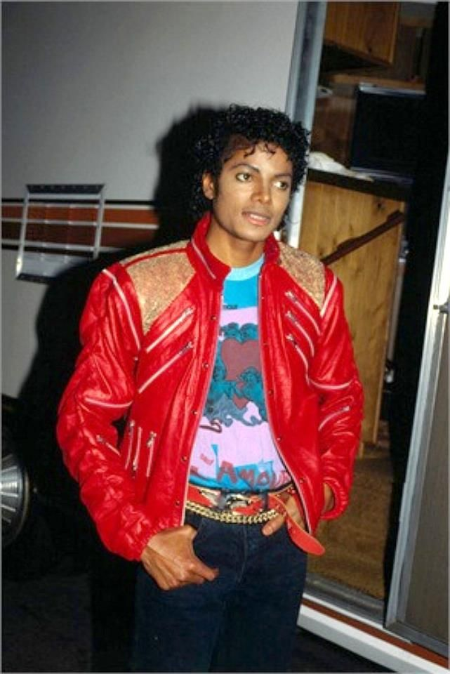 "Beat it 1982 | 1982 ""Beat it"" 