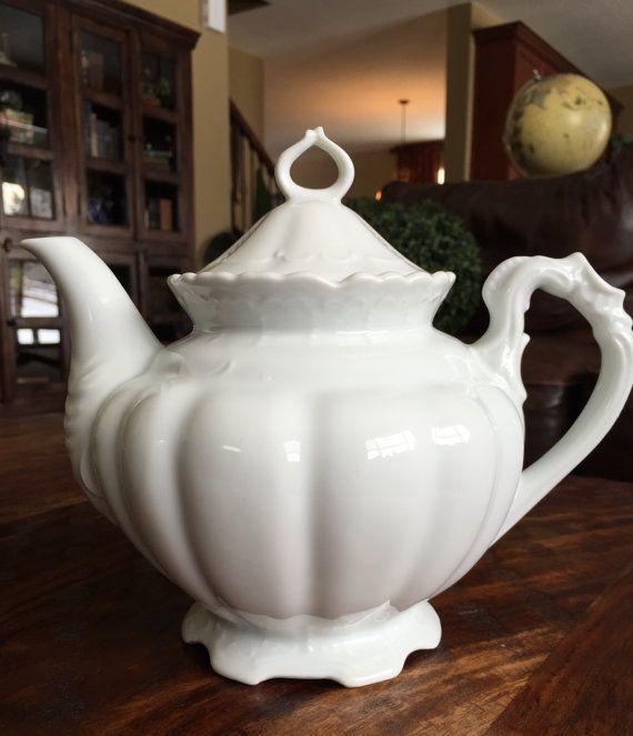 Kaiser White Porcelain Coffee Pot