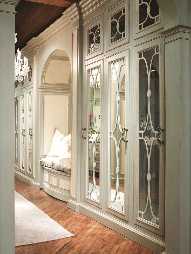 Master Bedroom Quatrefoil Mirror