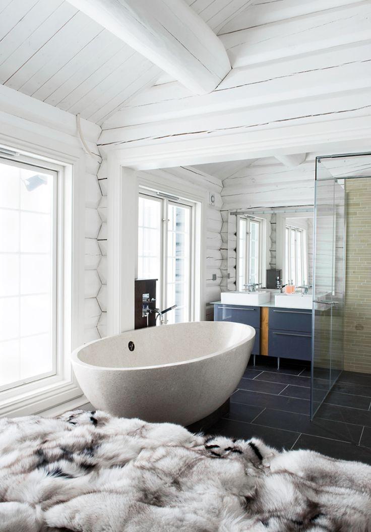 Log Home Bathroom Design