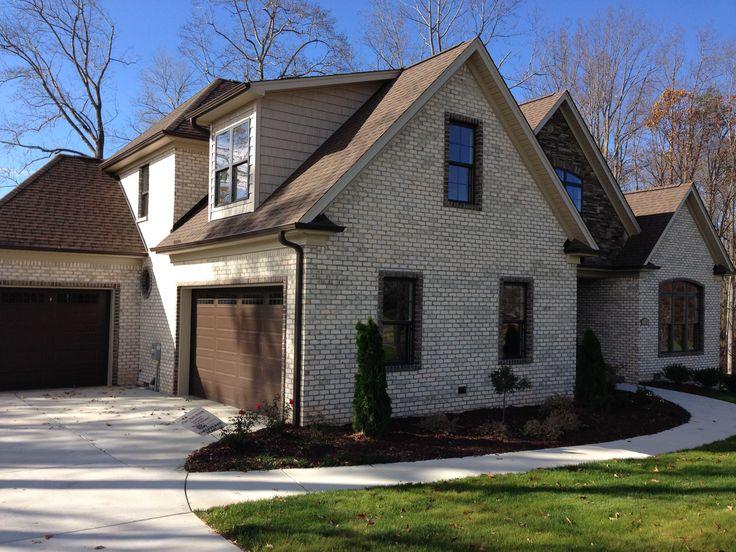 Pine Hall Brick Chesapeake Pearl Oversize Brick Gray
