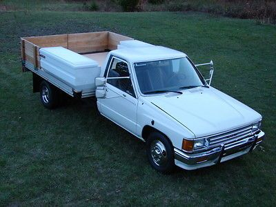 Toyota Other Standard Cab Dually Flatbed Rare 1987